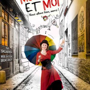 L'improviconteuse dans la rue sous son parapluie multicolore